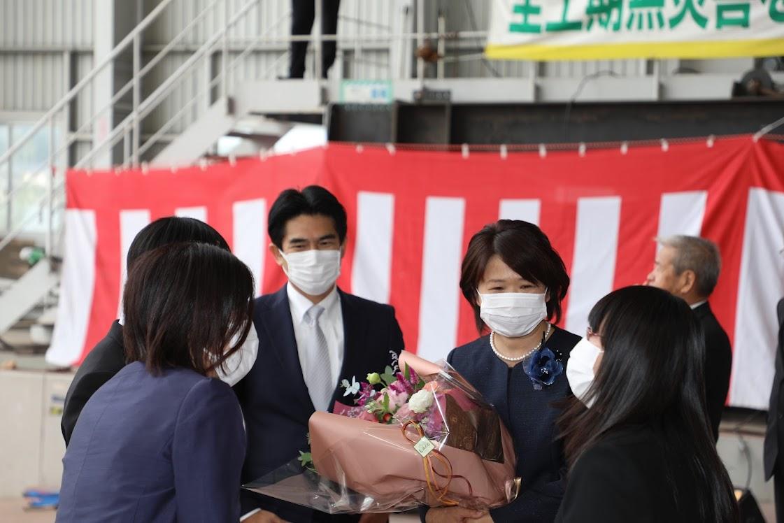 神原潤社長と藤巻さん、備後商船の赤松さん